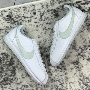 NWT Nike WMNS Cortez Flyleather unisex sneakers